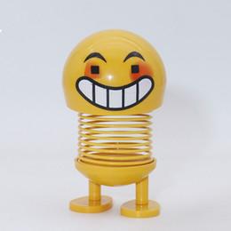 2019 bonecas engraçadas Acessórios de Decoração do carro Engraçado Sorriso rosto boneca Primavera Balançando cabeça Expression boneca Criativa Pacote de Expressão Decoração de Casa