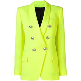 2019 дамы желтые куртки ОТЛИЧНОЕ КАЧЕСТВО 2019 Барокко Дизайнерский Блейзер для Женщин Дамы Двубортные Металлические Пуговицы Длинный Блейзер Куртка Неоновый Желтый дешево дамы желтые куртки
