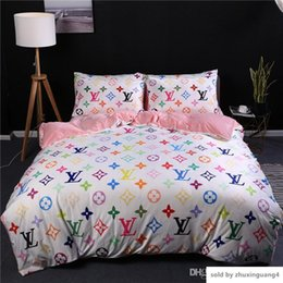 Розовые комплекты постельных принадлежностей онлайн-Розовый Белый цветок Покрывала Наборов моды для женщин Спальня Tide постельного белья Обложки Suit 4 шт Руны Ткани