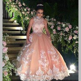 vestido de baile de finalista muito real Desconto Bonito Pêssego Puffy Quinceanera Vestidos Ragazza Plus Size Princesa Frisada Apliques de Renda Doce 16 Vestido de Baile Vintage Prom Party 2018