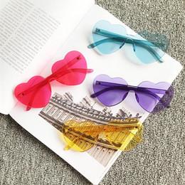 Wholesale Sem aro coração óculos de sol mulheres vermelho amarelo verde laranja cinza roxo grande sem moldura óculos de sol oculos de sol feminino uv400