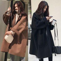 guarnição da pele de capa preta Desconto Brasão marca Outono Inverno Mulheres Perfil solta Lã Overcoat Longo Grande Quente casaco de lã das mulheres coreano manga comprida de lã Parka