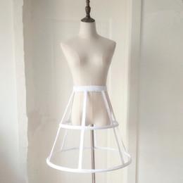 Cotone nero corto online-New Style Petticoats 2 Hoops Short Ruffle Underskirt Crinoline for Wedding Abito da sposa formale Bianco / Nero Accessori da sposa