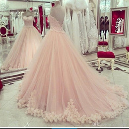 Pizzo flora prom online-Abiti Quinceanera rosa Sweetheart Applique in pizzo Sweet 16 Abiti Plus Size 3d flora fiore Prom Dresses Masquerade Ball Gown economici