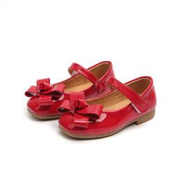 2019 sapatas pretas da patente das crianças New bowknot Baby Girl princesa shoes Moda sola macia Crianças sapatos de couro de patente Meninas Dance Party Shoes Preto Vermelho Rosa desconto sapatas pretas da patente das crianças