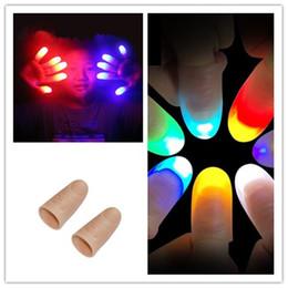Spielzeug daumen online-Lustige neuheit leuchten daumen led licht blinkende finger magic trick requisiten amazing glow toys kinder kinder leuchtende geschenke