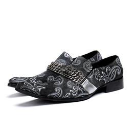 Scarpe a forma di tacco basso online-New Fashion Uomo Slip-on catena Oxfords Dress Shoes Vera pelle punta quadrata Scarpe Business Office tacco basso formale