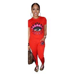 Женский летний спортивный костюм с цветным принтом с большими глазами 2 шт. Набор нарядов с вырезом с коротким рукавом Футболка + брюки Спортивная одежда Модный дизайн одежды C41704 от Поставщики купальный костюм для женщин