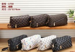 Piccole valigie online-Alta qualità moda uomo e donna personalità mano-lettera cuciture piccola borsa quadrata cartella OL lavoro lavoro Messenger bag 2019