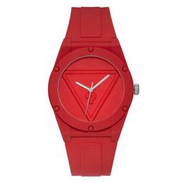 стиль часы девушки Скидка Бренд кварцевые наручные часы для женщин девушка с треугольником вопросительный знак стиль циферблат силиконовый ремешок часы GS20