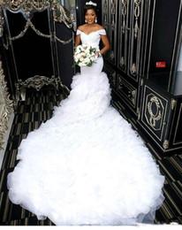 Abiti da sposa monarca online-Abiti da sposa Mermaid al largo della spalla 2019 Abito da sposa lungo in tulle con maniche lunghe in pizzo africano Custom Made