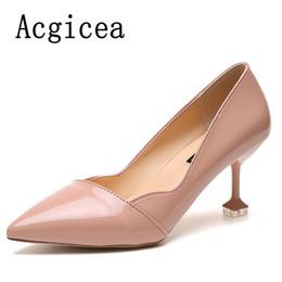 Argentina Zapatos de vestir de diseñador 2019 Nuevas Mujeres Bombas de fiesta de moda Tacones altos Vestido de boda conciso Mujer Más popular Sexy para mujer Calzado rosado Suministro