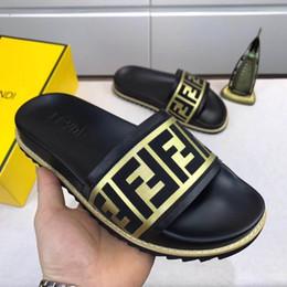 Hommes en cuir en Ligne-Nouveau design d'intérieur FEN en cuir pantoufle Gear tongs d'été d'été non-slip pour hommes et femmes pantoufles EUR38-45