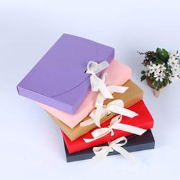 Бумажная подарочная коробка онлайн-26 * 17,5 * 3,5 см Бумажная Подарочная Коробка Большая Косметическая Бутылка Шарф Упаковка одежды Бумажная Коробка с лентой Нижнее белье, коробка для упаковки полотенец FFA2111