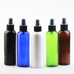 Fai bottiglia spray online-200ml rotonda spalla PET Spray bottiglia di plastica di profumo bottiglia dello spruzzo nebbia sottile Bottiglie Make-up vengono imbottigliati separatamente EEA1208-1