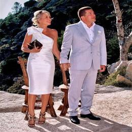 Uma bainha ombro curto vestidos de noiva on-line-Bainha curta Um ombro Sem mangas Até o joelho Vestidos de noiva com vendas feitas sob encomenda baratas