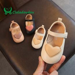 scarpe da bambino in pelle morbida Sconti Claladoudou 12-15.5 cm di marca Sweet Hearts Baby Infant Pu Scarpe in pelle Nero Rosa Beige Suola morbida Scarpe pure appartamenti per 0-3 anni