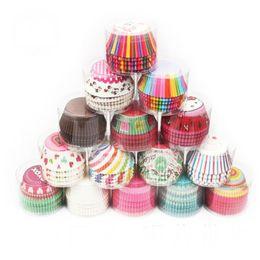 Gobelets jetables colorés en Ligne-Papier coloré tasses à gâteaux arc-en-ciel jetables doublures de petit gâteau Muffins gobelets en papier fête de vacances pour boulettes de gâteau Muffins Petits gâteaux et bonbons