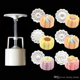Druckform online-NEUE 3D Rose Blume Mooncake Form Hand Druck Form 1 Barrel 6 Briefmarken DIY Kuchen DecorationTool