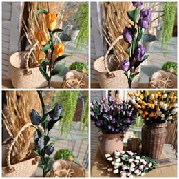 2019 buquês de flores de tulipa Flores decorativas Tulipas Simulação Bouquet 6 Cabeças Textura Mulit Cor De Borracha Flor Mobiliário Doméstico Sala de estar Ornamento 2 5alE1 buquês de flores de tulipa barato