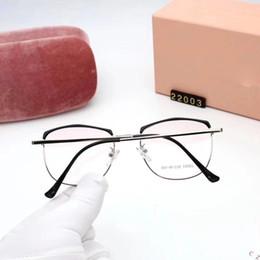 Deutschland miumiu 22003 Heiße Verkäufe Unisex Sonnenbrillen Herren und Damen Designer Sonnenbrillen UV400 Gradient Brillenglas Bewegung und Gürteltasche Verbot mit Box supplier pilot bags Versorgung