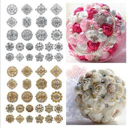 2019 Yeni moda Sıcak satış mix 24 stil 24 Adet Rhinestone kristal broş gümüş altın renkler broş pins düğün gelin dekor için düğün Bo nereden