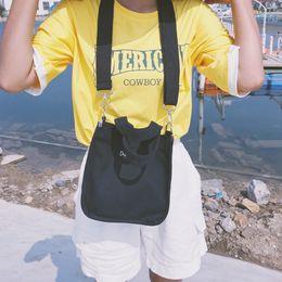 borsa di disegno della borsa Sconti Z 2019 donne Elegant Fashion Design Corea Ins Solido Colore Mori Lettera Portable Canvas Bag Fashion Shoulder Bag Semplice Ricamo