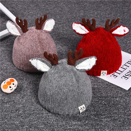 winter captain cap Coupons - Baby Antler Beanie Cap 5 Colors Knitted Deer Horn Party Hat Children Caps For Christmas Gifts Autumn And Winter Wam 12 5cz E1