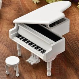 Canada Bricolage Bois Piano Boîte à Musique Mécanique Type Mécanisme Boîte à Musique Cadeaux Enfant Fille Cadeau D'anniversaire Haute Qualité Piano En Bois boîtes à musique Offre