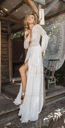 Robes de mariée de déesses grecques en Ligne-2019 robes de mariée à manches longues en dentelle en mousseline de soie profonde col en v fendue devant fluide qui évoque flare déesse grecque plage robe de mariée bohème