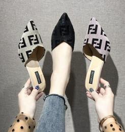 Trascinare i talloni online-lettera F sandali Baotou scarpe da donna che indossano una punta a metà trascinando tacchi alti sandali estate Pantofola LJJK1659