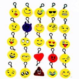 juguetes de planta vs zombie gratis Rebajas Nuevo QQ Emoji Plush Colgante de la cadena dominante Moda Emoji Sonrisa Emothion Amarillo Expresión linda Felpa Muñecas de dibujos animados de felpa colgante Cadena del coche