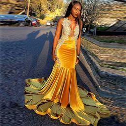 Smoking amarelo preto on-line-Amarelo V Neck Vestidos de Baile de Sereia Prata De Veludo Apliques de Renda Menina Negra Vestidos de Festa Vestidos de Noite de Tuxedos