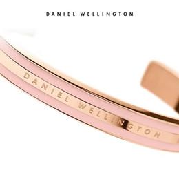 Weißgoldmanschettenarmband online-Rose Gold Wide DW Armbänder 100% Titan Stahl Manschette Mit Rosa Grau Weiß Rot Streifen Armreif Für Frauen Männer