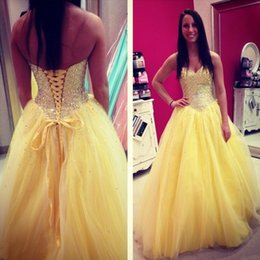 Giallo Lace up Quinceanera Prom Dresses Ball Gown 2019 Sweetheart Bling Crystal Strass Tulle Sweet 16 Abiti di sfera economici lunghi da