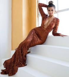 2019 robe de soirée marron sexy Robes de bal sexy sirène de cou v profond brun manches longues paillettes de soirée robe de soirée robes de soirée spéciales de Dubaï robe de soirée marron sexy pas cher