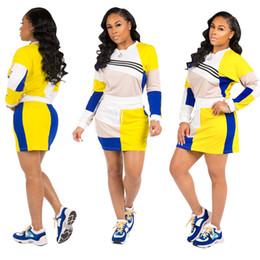 Damen Kleidung Zweiteiler 2-teilig grenzüberschreitend Nähte lässig Sport Zweiteiler Langarm Pullover Kurzer Rock Anzug Frauen von Fabrikanten