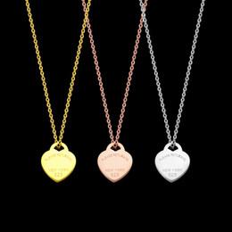 Collier pendentif amour titane coeur en Ligne-Titanium Fashion acier en forme de coeur amour pendentif Colliers pour femmes or rose collier en argent dame chaîne bijoux en gros Accessoires cadeau