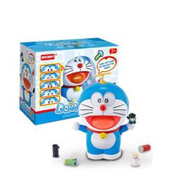 Robôs do gato on-line-2019 Novo Doraemon Jingle Cat Figura de Ação Bonito Expressão Sorriso Robô Gato Decoração Do Carro Crianças Toy Presente Filme Mudar a Cara Boneca