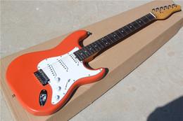 Guitare électrique sur mesure avec corps, avec poupée de forme spéciale, micros SSS, pickguard blanc, peut être personnalisé ? partir de fabricateur