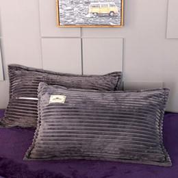 2019 liebesentwurfsfallabdeckung Weiches Flanell Pillowcase 1 Paar Rot, Blau, Grau Kissenbezüge aus robustem Streifen Reißverschluss Kissenbezug für Bett 48x74cm Kissen-