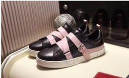 2019 buone marche di scarpe da abbigliamento 2018 nuovo nome di marca superstar moda uomo scarpe casual fatti a mano di buona qualità low cut rivetti neri borchie donne appartamenti scarpe da sera yl18169 sconti buone marche di scarpe da abbigliamento
