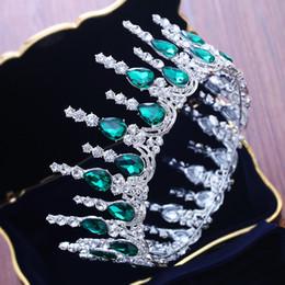 corona de la reina blanca Rebajas Buena calidad Prom Queen Crown Green / Red / White Crystal Rhinestone Tiaras de la boda coronas para las mujeres nupcial Hairband Pageant coronas