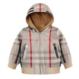 Deutschland Neue Kinder Plaid Mantel Mode Jungen Kapuzenjacke Mantel Winter Herbst Jungen komfortable Kinder Outwear Versorgung