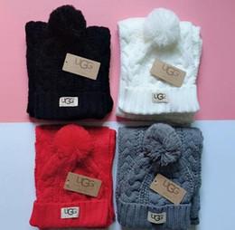 Sciarpa cappello di design per uomo e donna di alta qualità set accessori moda sciarpa cappello di marca europea di alta gamma calda da