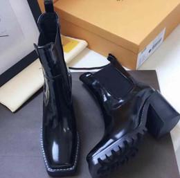 2019 cordones de arranque originales 2019 nuevas botas de mujer de primeras marcas otoño e invierno zapatos de mujer con cordones botines cortos de cuero con caja original cordones de arranque originales baratos