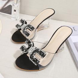 pantofole trasparenti Sconti Dwayne nuovi tacchi alti sandali di cristallo donne estate pantofole spuntate femminile strass tacco trasparente zeppe sandali pompe