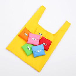 Canada Les sacs à provisions se pliants portatifs réutilisent les sacs à bandoulière 35 * 57 * 11cm imperméables à l'eau de couleur de sucrerie écologiques de tissu oxford respectueux de l'environnement cheap eco friendly reusable folding bag Offre
