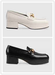 klobige fersenmüßige Rabatt Beste verkaufende 2019 Frauen-echtes Leder-Art- und Weiseklumpige Plattform Müßiggänger-Luxuxmaultier-Schuhe Qualität Horsebit beiläufige quadratische Ferse Schuhe