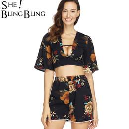 2019 stürzen SheBlingBling Flare Blumendruck Zweiteilige Outfits Tie Back Deep Plunge Crop Tops und Shorts mit elastischer Taille Damen Sets günstig stürzen